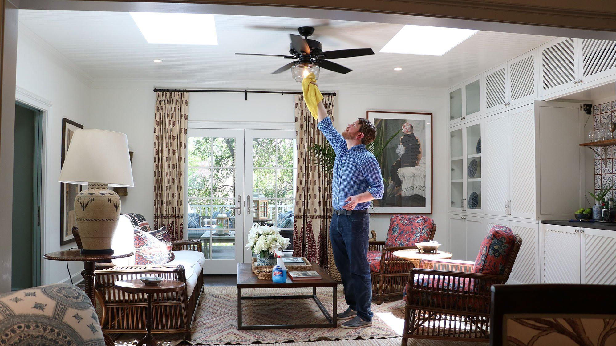 How to clean a ceiling fan without a ladder