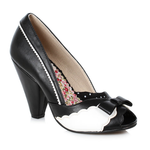 4 Peep Toe Shoe With Bow And Scalloped Detail