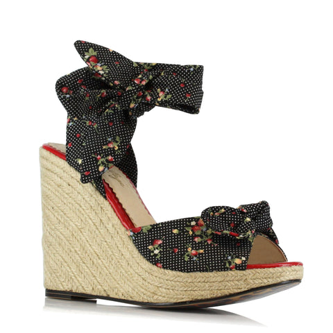 4 WEDGE  W/STRAWBERRY POLKA DOT FABRIC AND TIE