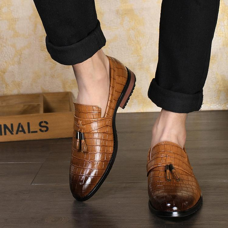 Mens Casual British Style Retro Slip on Flats Tassel Checkered Shoes