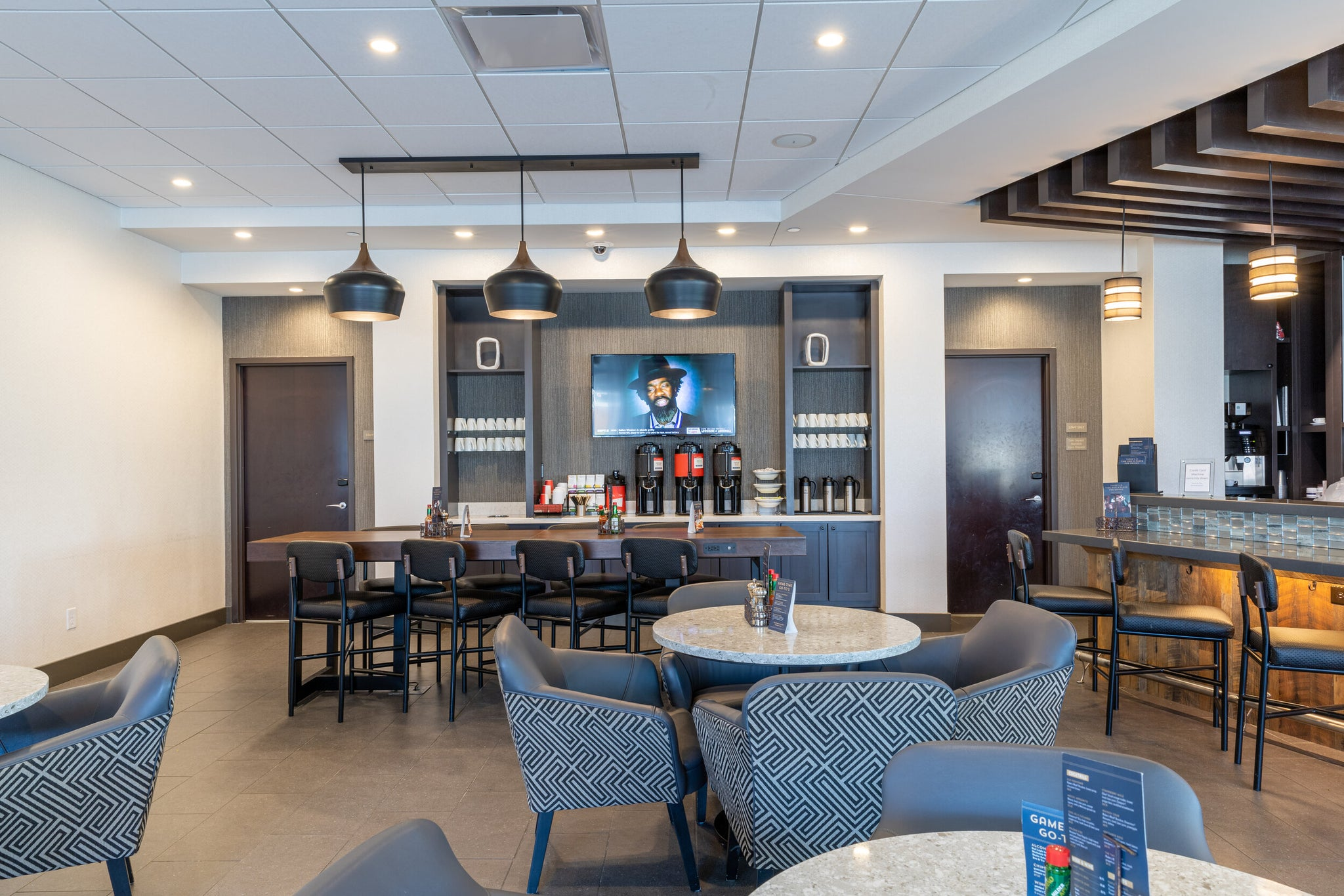 Hyatt Place Bar and Lobby area