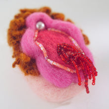 Load image into Gallery viewer, Felt Vulva Brooch