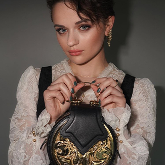 Joey King Rocks Okhtein