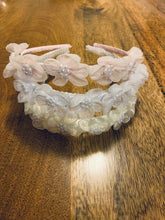 Load image into Gallery viewer, J11 - Flower Headband With Pearls