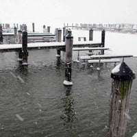 Scott Aerator Dock Mount Deicer keeping snow away from dock