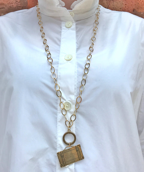 Suitcase necklace gold