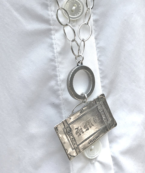 Suitcase necklace silver