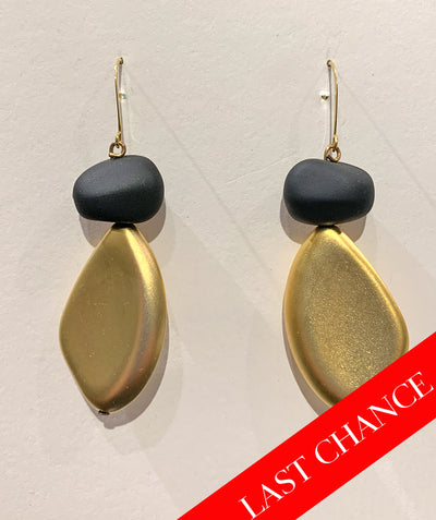 Big pebble earring
