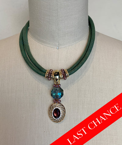 Dramatic Gemstone Statement Necklace-Purple