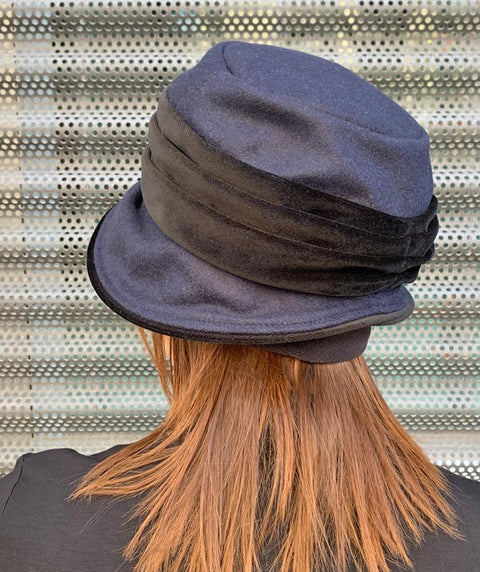 Jeanette Hat Navy and Black - Mary Walter