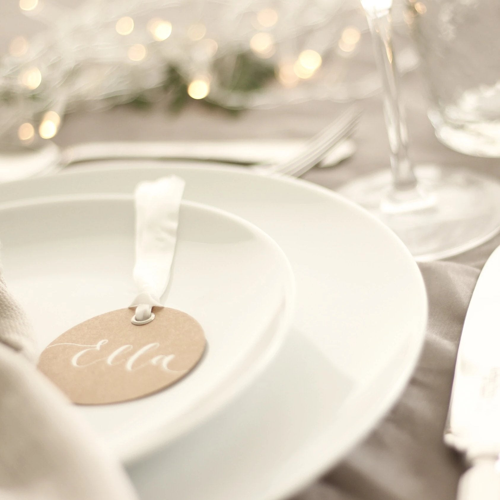 Circular Kraft Place Cards