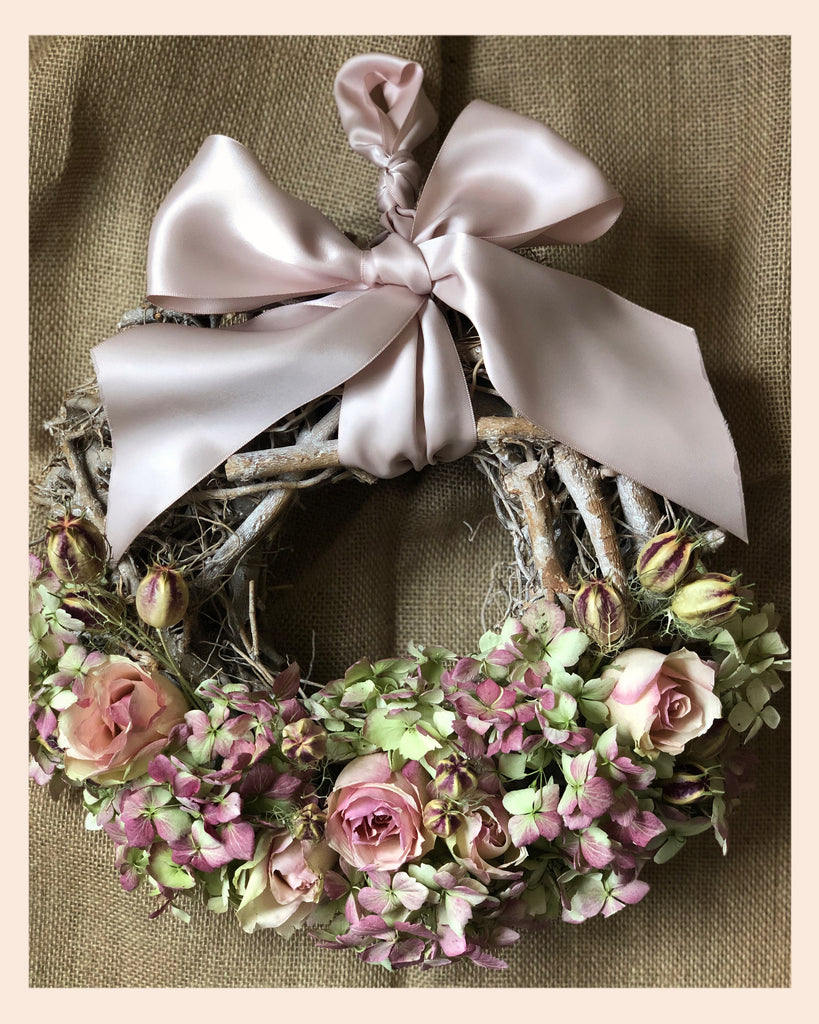 spring wreath, dried flowers, roses, hydrangea, twiggy, rustic, home decor