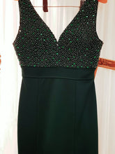 Load image into Gallery viewer, Emerald Green Bodycon Evening Dress
