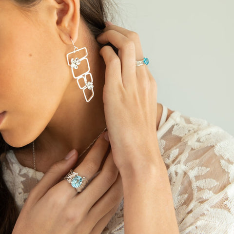 Porte Bleue Earrings