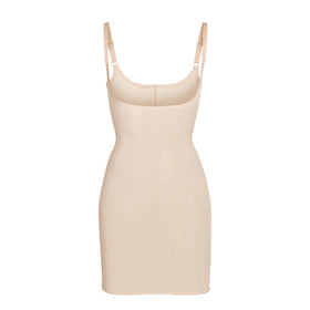 SHEER SCULPT SLIP | CLAY