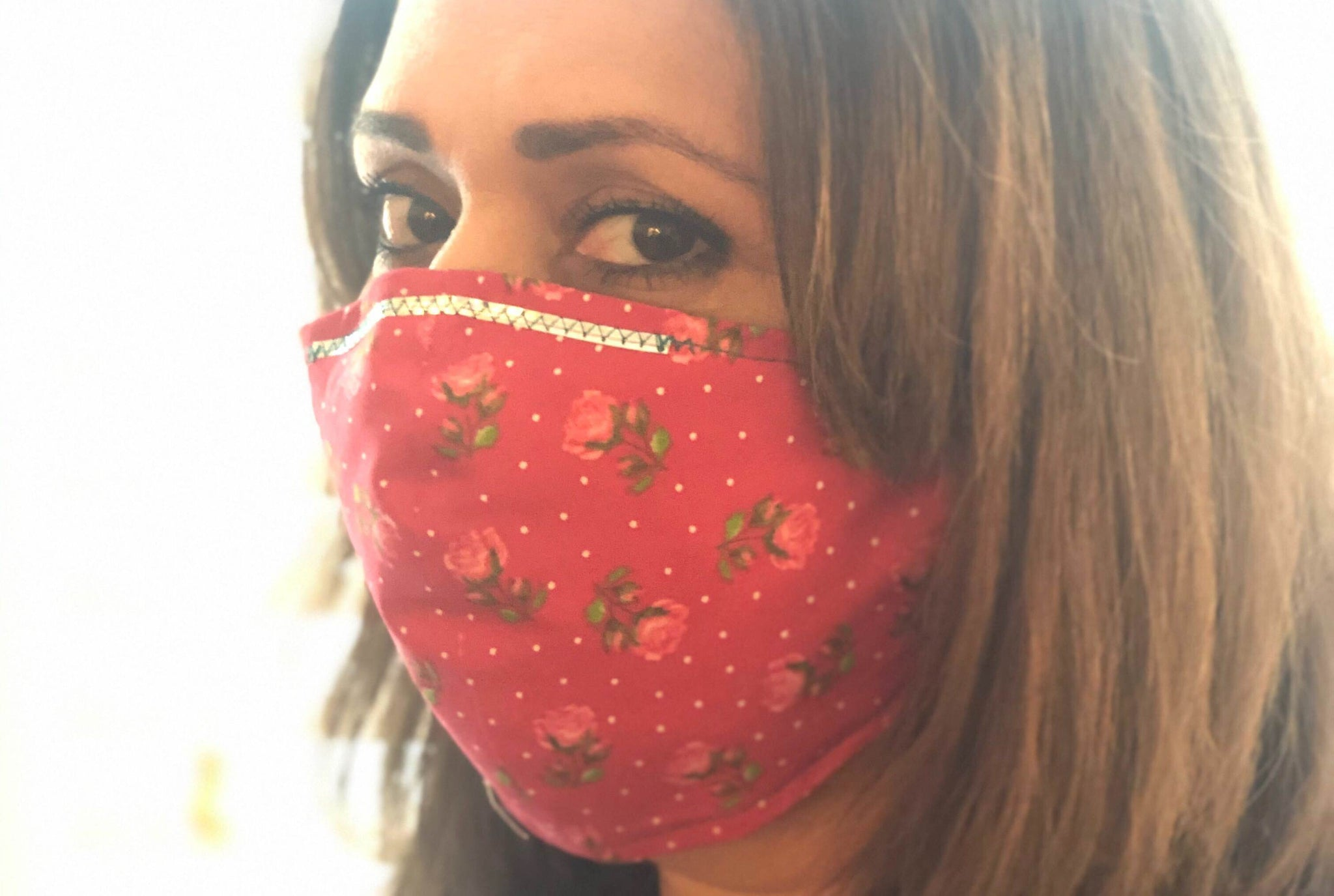 Roses face masks model picture