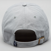Load image into Gallery viewer, '47 Brand NY Yankees Clean Up Cap - Storm Grey