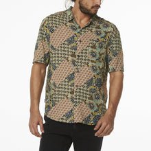 Load image into Gallery viewer, Wrangler Men's Garageland Shirt - Gypsy Road