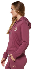 Load image into Gallery viewer, Elwood Ladies Huff n Puff Hood - Mulberry