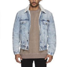 Load image into Gallery viewer, Wrangler Men's Debaser Trucker Jacket