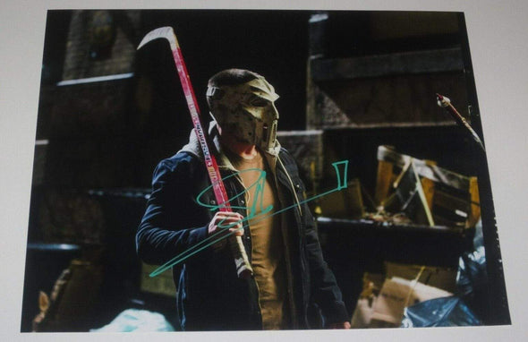 Stephen Amell Authentic Autographed 11x14 Photo - Prime Time Signatures - TV & Film