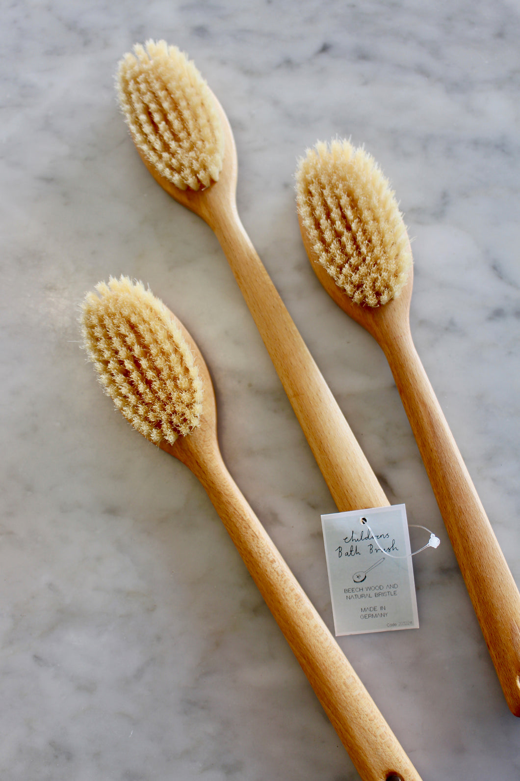 CHILDREN'S BATH BRUSH