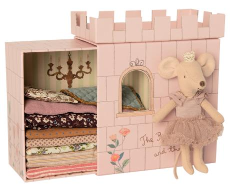 PRINCESS ON THE PEA MOUSE SET