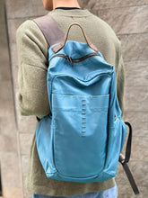 Load image into Gallery viewer, Daniele Basta/Light blue leather backpack - OBEIOBEI