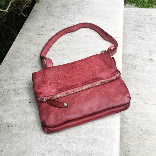 Vive La Difference/Red shoulder bag - OBEIOBEI