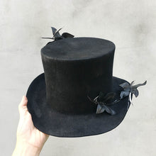 Load image into Gallery viewer, Move/Black Butterfly Top Hat - OBEIOBEI