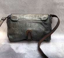 Load image into Gallery viewer, Numero 10/Grey brown croc pattern shoulder bag - OBEIOBEI