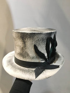 Move/Grey Top Hat (big feather) - OBEIOBEI