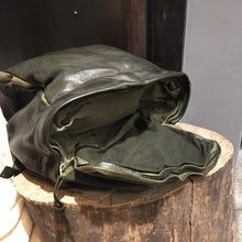 Load image into Gallery viewer, Delle Cose/Military Green leather backpack - OBEIOBEI