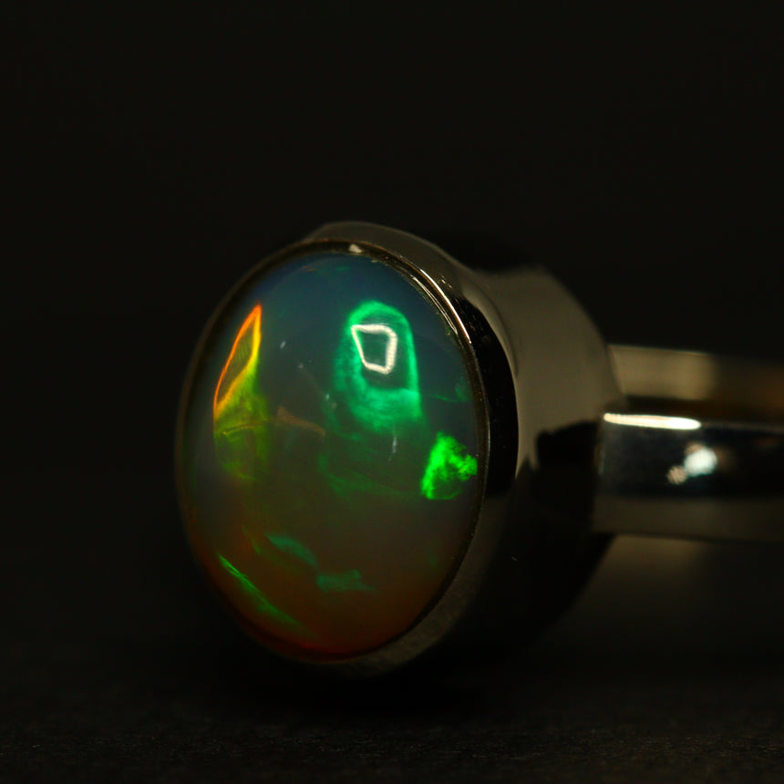 Lightning Ridge opal & platinum ring