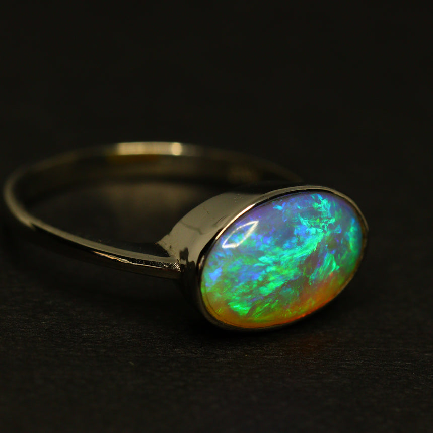 Lightning Ridge crystal opal & platinum ring