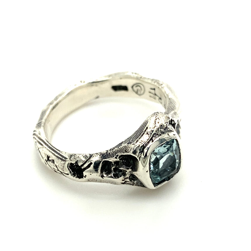 Aquamarine & silver ring