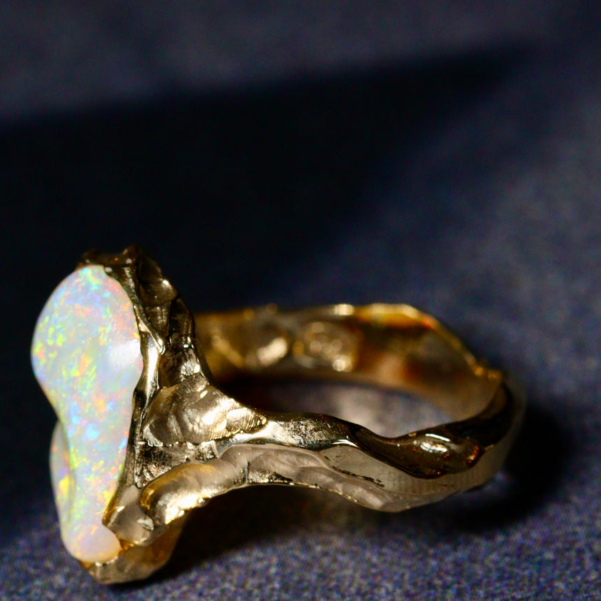 Crystal opal & gold ring