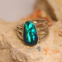 Load image into Gallery viewer, Black opal & palladium silver ring