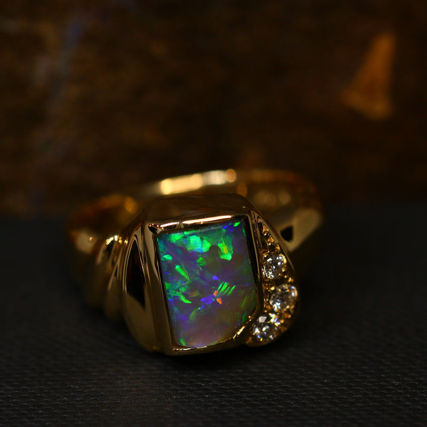 Crystal opal, diamonds & 18ct gold ring