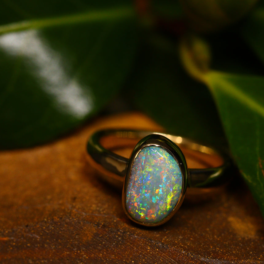 Boulder opal & 9ct gold ring