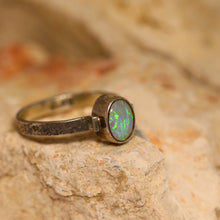 Load image into Gallery viewer, Lightning Ridge opal & oxidised silver ring