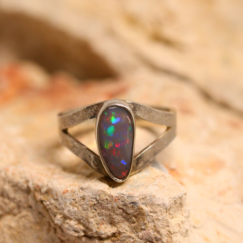 Lightning Ridge opal & sterling silver ring