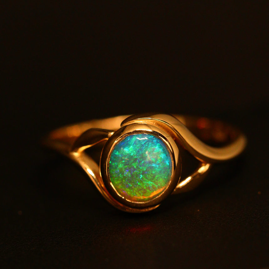 Lightning Ridge opal & 14ct yellow gold