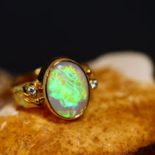 Load image into Gallery viewer, Lightning Ridge opal & 18ct gold ring