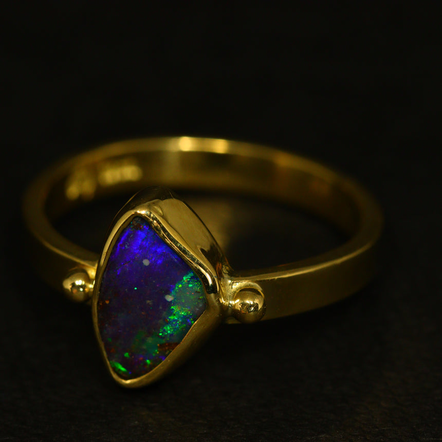 Boulder opal & 18ct yellow gold ring