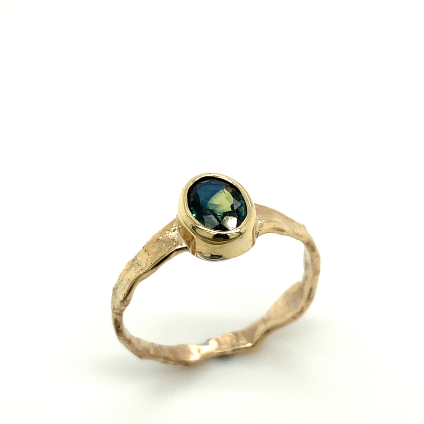 Parti sapphire & 9ct gold ring