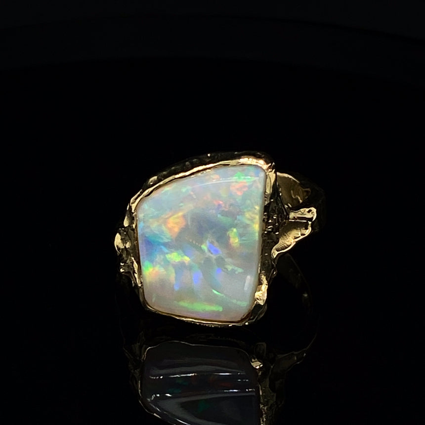 Opal & gold ring