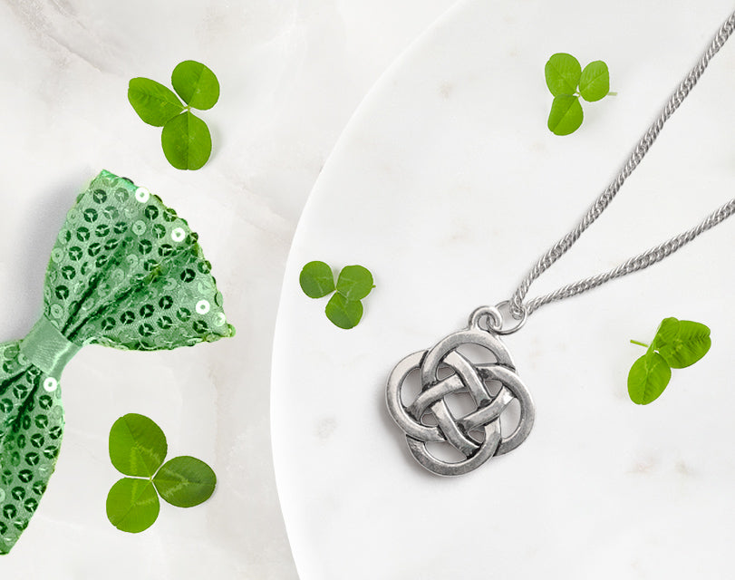This antique silver plated 20 inch celtic knot pendant necklace is perfect wearing on its own or with a pair of ball earrings. Our hypoallergenic plating is perfect for sensitive skin.