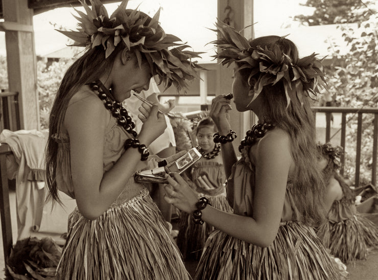 Kauai Girls by Cathy Shine