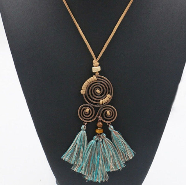 Boho Tassel Fringe Necklace |2 colors|